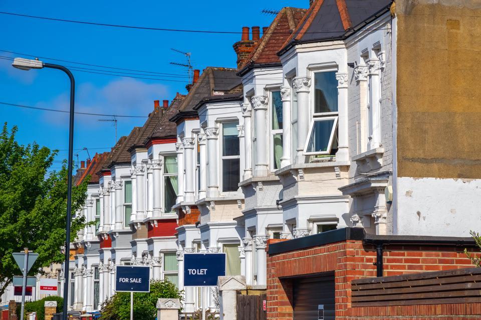 أسعار المنازل البريطانية تقاوم الأزمة