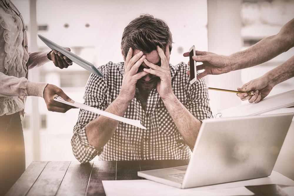 موظفو اليوم أكثر شقاءً رغم تحسُّن ظروف العمل