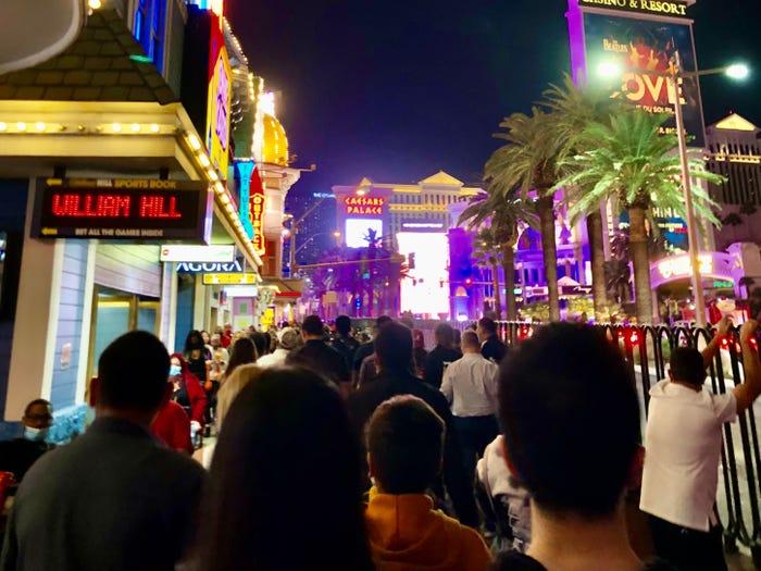 بالصور.. هذه تفاصيل الرحلة إلى Las Vegas بعد الوباء