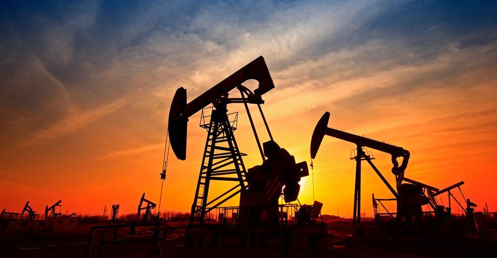 أسعار النفط تتراجع مع تجدد المخاوف من إجراءات العزل