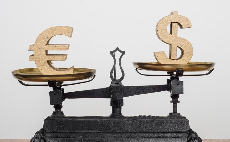 أوروبا تخطط للحد من الاعتماد على الدولار